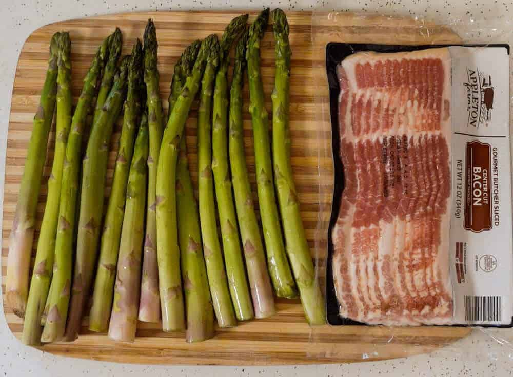 Asparagus and bacon for bacon wrapped asparagus